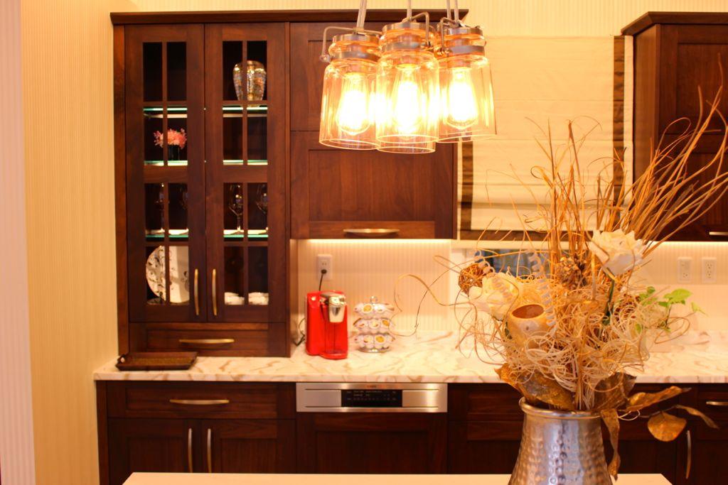 天井が低いキッチンルームを想定したキッチンをご用意