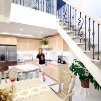 約 6 畳の広さのオープンキッチン