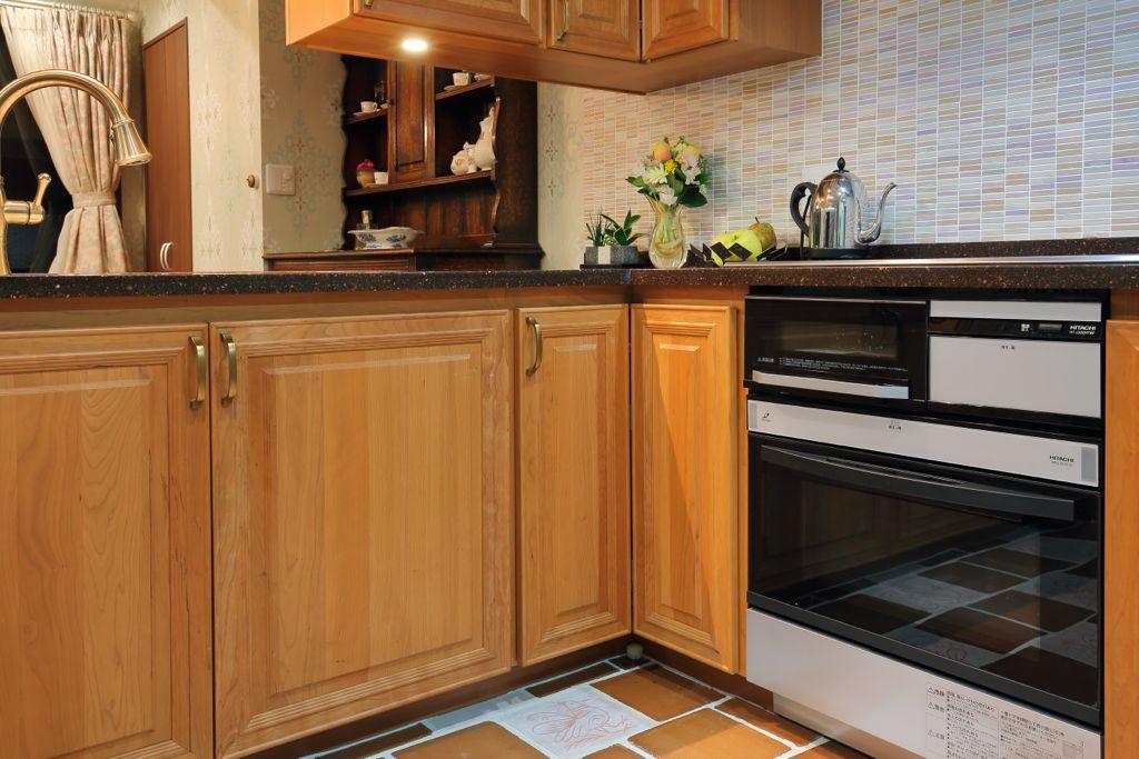 L字型キッチンではデッドスペースになっても仕方ないとされるコーナー部分